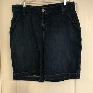 Lane Bryant Bermuda jean shorts 18W